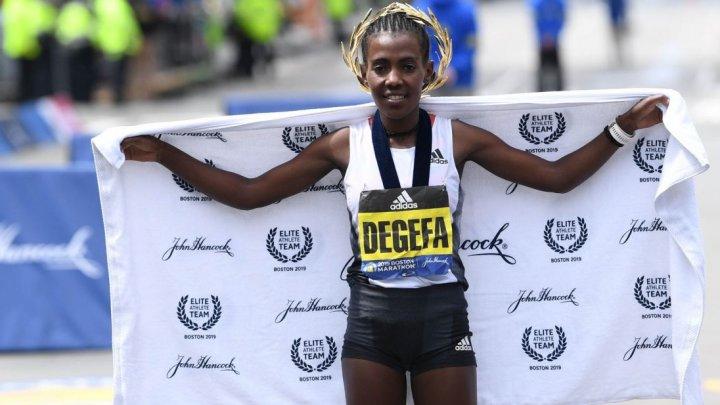 CHERONO S-A IMPUS LA BOSTON. Worknesh Degefa a câștigat maratonul în proba feminină