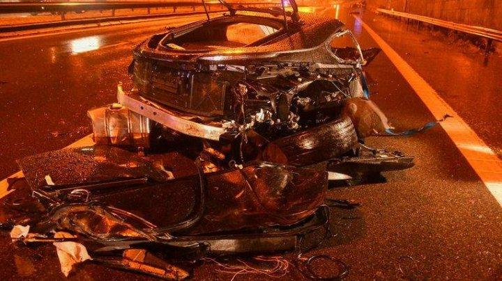 Maşină de lux, RUPTĂ în BUCĂŢI în urma unui ACCIDENT GRAV: Doi tineri au murit (IMAGINI TERIFIANTE)