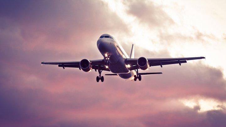 SURPRIZĂ pentru un bărbat care urma să zboare spre Italia. MARE I-A FOST MIRAREA când a văzut ce se întâmplă (FOTO)
