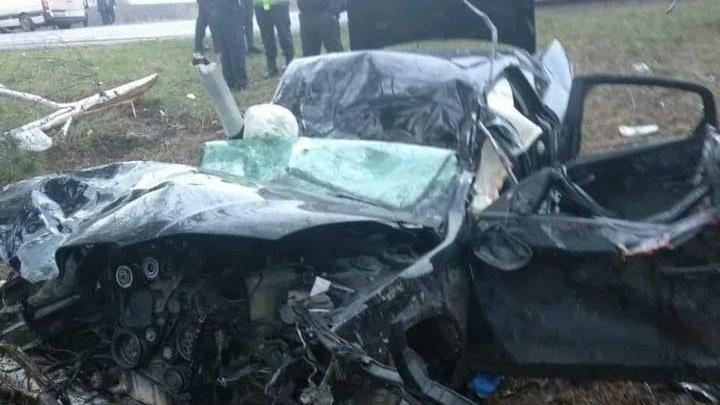 IMAGINI JALNICE de la ACCIDENTUL FATAL din Drochia. Maşina, UN MORMAN de FIARE. Cum a avut loc tragedia