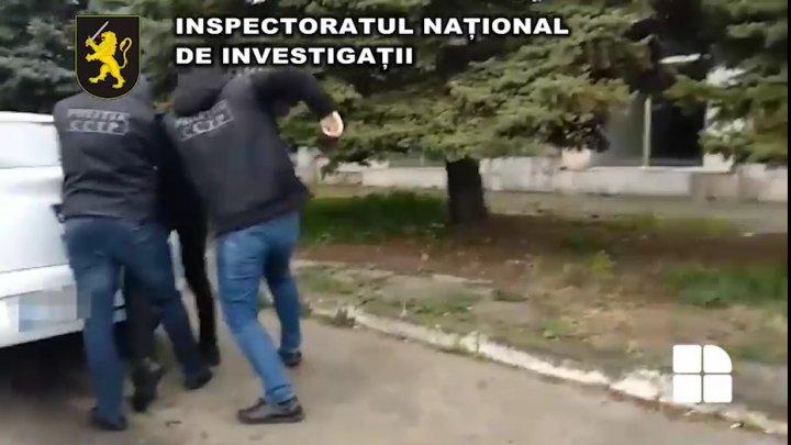 Trei bărbați din Capitală, cercetați penal pentru organizarea migrației ilegale. Ce servicii ofereau victimelor (VIDEO)