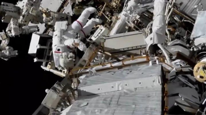 Ieşirea în spaţiu pentru recondiţionarea ISS s-a încheiat cu succes