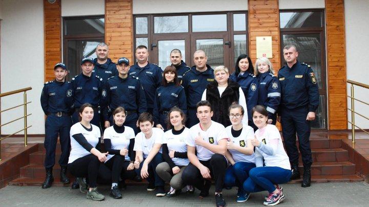 GESTUL DE LAUDĂ făcut de angajaţii INP de Ziua Internaţională a Faptelor Bune (FOTO)