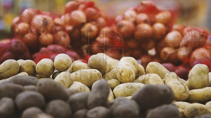 Preţul cartofilor a luat-o razna. Un kg costă în medie 16 lei
