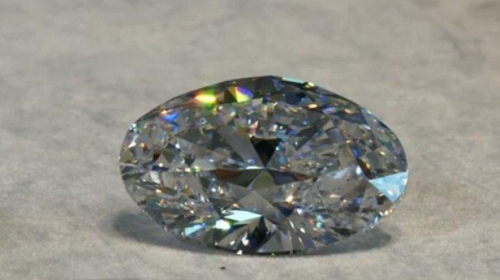 Un diamant oval de 88 de carate, vândut cu aproape 14 milioane de dolari