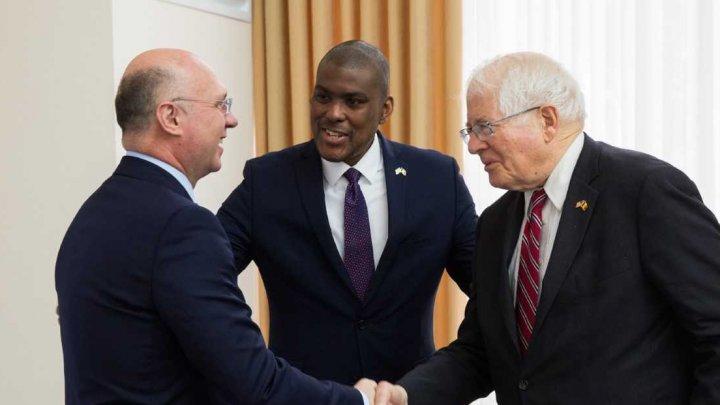 Pavel Filip la întâlnirea cu o delegaţie a Congresului american: Suportul Statelor Unite este unul valoros în consolidarea securităţii ţării