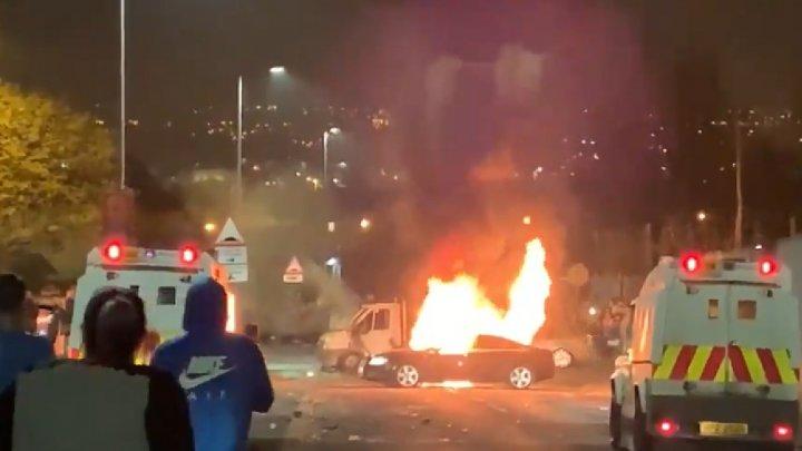 """Femeie ucisă în Irlanda de Nord. Poliția suspectează un """"incident terorist""""(VIDEO)"""