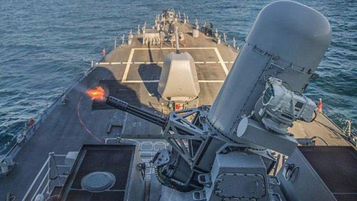 Două nave militare ruse monitorizează distrugătorul american USS Ross din Marea Neagră