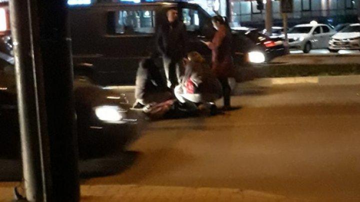 DETALII în cazul femeii care a fost lovită în plin de o maşină în centrul Capitalei. Ce spune şoferul