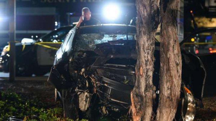 Un şofer a intrat intenţionat cu maşina în mulţime într-o localitate din California. Opt răniţi