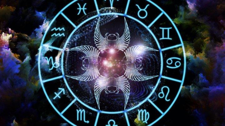Horoscop 14 decembrie 2019. Berbecii simt nevoia să se odihnească mai mult, iar pentru Vărsători munca este principala preocupare