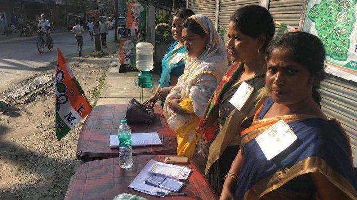 IMPRESIONANT! Autoritățile indiene au amenajat o secție de votare în junglă pentru a-i oferi posibilitatea unui călugăr să voteze