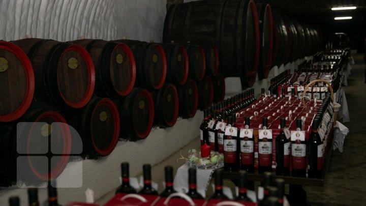 Mitropolitul Vladimir a binecuvântat vinul pastoral (FOTOREPORT)