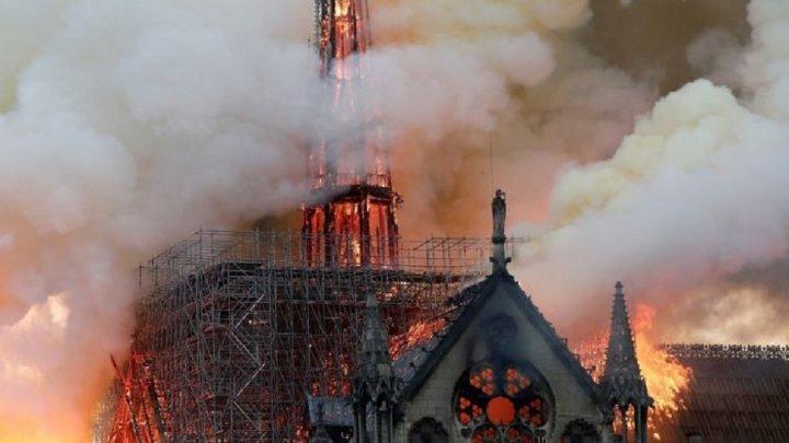 MAEIE, despre incendiul de la catedrala Notre Dame: Suntem profund întristați că acest monument-simbol a căzut pradă focului