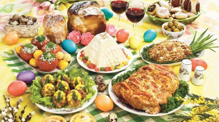 O masă de Paşte reuşită. Ce feluri de mâncare nu trebuie să lipsească