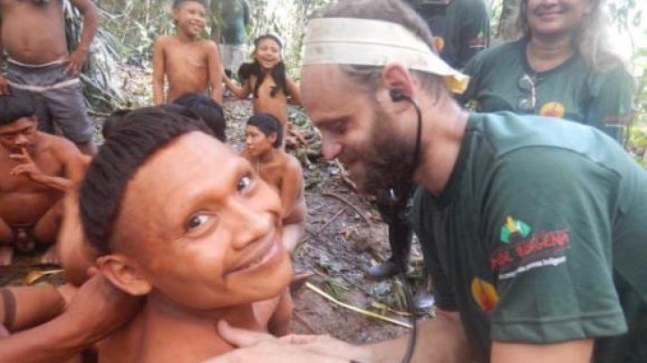 Un TRIB IZOLAT din Brazilia a fost contactat pentru prima oară. Cum au reacţionat indigenii la VACCINARE