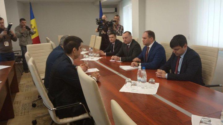 BINOMUL PAS-PPDA vrea ALEGERI PARLAMENTARE ANTICIPATE. Declaraţiile au fost făcute de Alexandru Slusari și Mihai Popșoi
