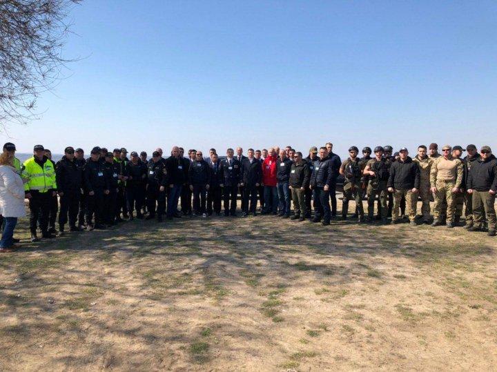 SITUAŢIE DE URGENŢĂ! Angajaţii IGP și SPPS, pregătiţi să asigure securitatea conducătorilor de rang înalt care vin în Moldova (FOTO)