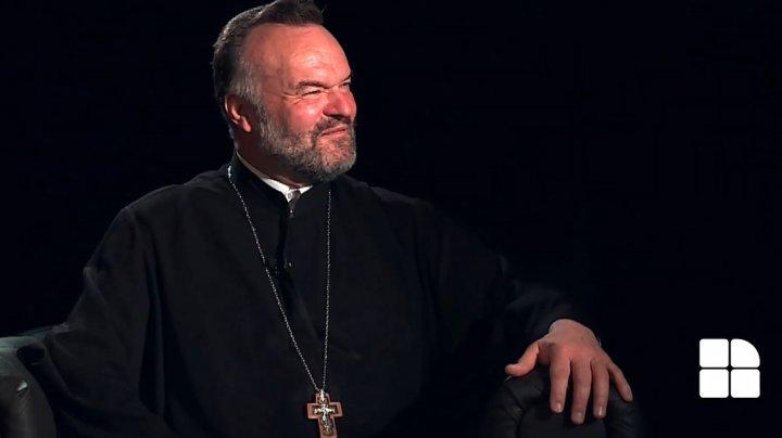 Ce este în biserică în Noaptea Învierii? Află de la părintele Pavel Borşevschi, invitatul unei ediţii speciale EuroDicţionar (VIDEO)