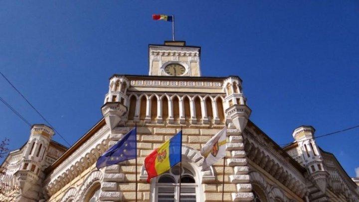 PL cere ca primăria Chișinău să coboare drapelele în bernă, în data de 23 august