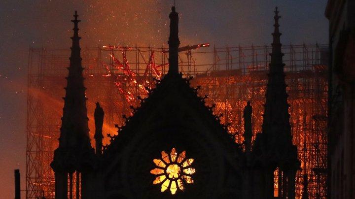 Compania L'Oréal face o donaţie de SUTE DE MILIOANE pentru reconstrucţia Catedralei Notre Dame