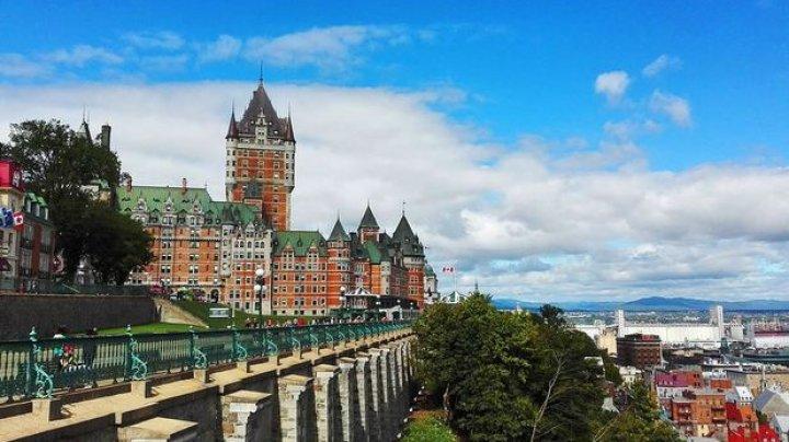 Într-o provincie din Canada este interzisă purtarea simbolurilor religioase în sectorul public. Care este motivul