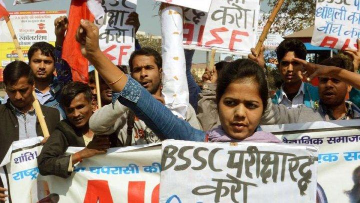 O eroare a sistemului de evaluare a examenelor de stat A LUAT VIAŢA a cel puţin 20 de elevi indieni