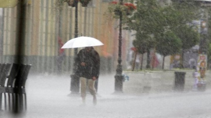 Ploi torenţiale şi inundaţii în Bosnia şi Herţegovina.Țările balcanice vecine, în alertă