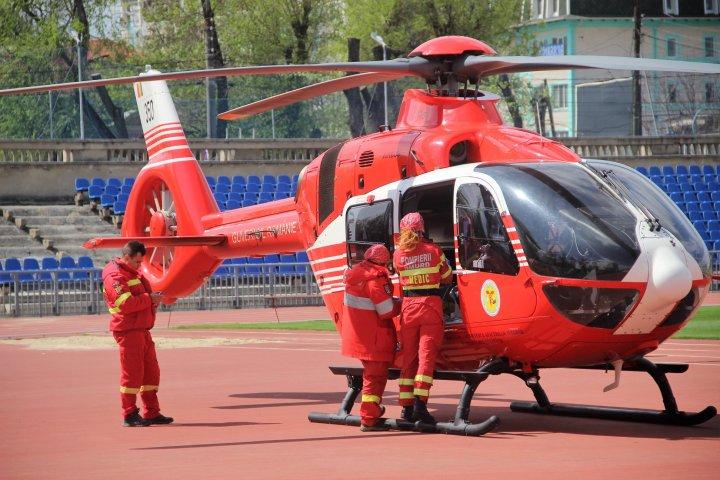 O femeie care a suferit arsuri grave în urma unei EXPLOZII, transportată cu elicopterul SMURD la Chişinău (FOTO)