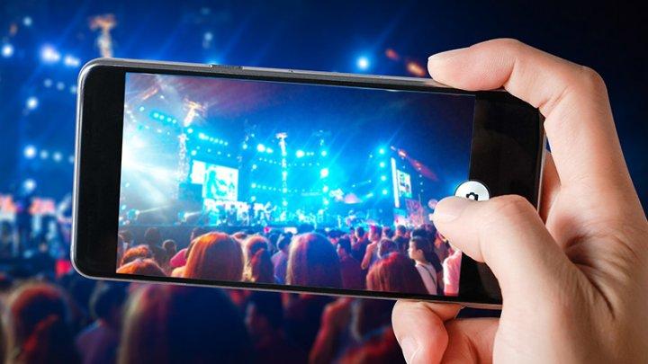 Serviciile de streaming generează aproape jumătate din încasările din industria muzicală globală