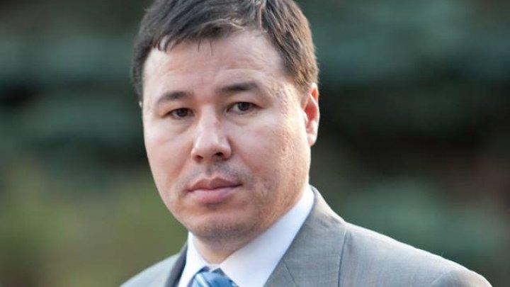 Socialistul Bogdan Ţîrdea le răspunde celor de la ACUM: Până se vor maturiza să vopsească ouă roşii