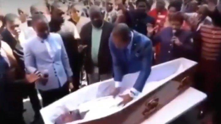 Bărbatul fals înviat de un pastor african, A MURIT. De data aceasta, nimeni NU L-A AJUTAT