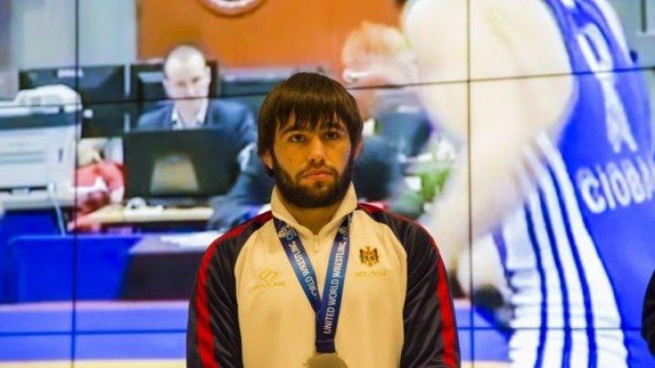 Performanţă istorică! Luptătorul moldovean Victor Ciobanu, CAMPION EUROPEAN după ce l-a învins pe Serghei Emelin