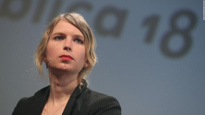 Chelsie Manning, închisă după ce a refuzat să depună mărturie în cazul fondatorului WikiLeaks
