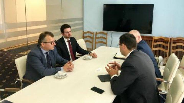 Chiril Gaburici a discutat posibilitățile de îmbunătățire a legislației din domeniul IT cu reprezentanţii PxC
