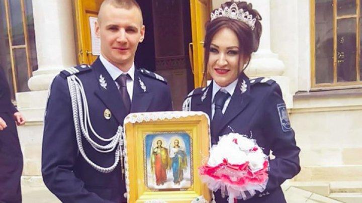 Povestea IMPRESIONANTĂ a doi angajaţi ai Poliției de Frontieră care și-au unit destinele îmbrăcați în uniforma de serviciu