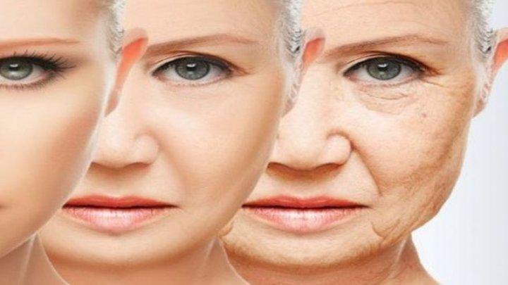 Trebuie să ştii asta! Obiceiuri care grăbesc îmbătrânirea: ridurile şi părul alb, puse pe seama unui factor comun