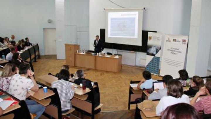 Un seminar de instruire pentru agenții economici din turism privind Codul Civil modernizat, a fost organizat astăzi la Chişinău
