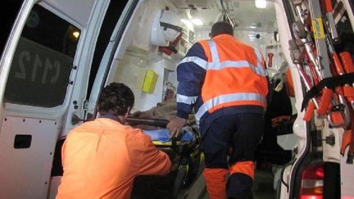 Accident înfiorător! O femeie a rămas fără picioare, după ce a fost lovită de autocar (FOTO)