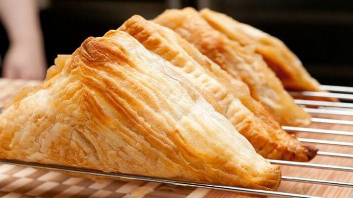 SEMNAL DE ALARMĂ: De ce gospodinele trebuie să renunţe la plăcintele din aluatul congelat