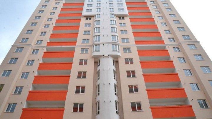 Ceartă cu final tragic: Un bărbat din Capitală a murit, după ce a căzut de la etaj