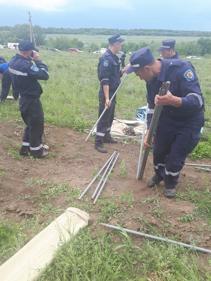 PERICOL de INUNDAŢII în raionul Ştefan Vodă. Salvatorii şi Armata Naţională, pregătiţi să intervină (FOTOREPORT)