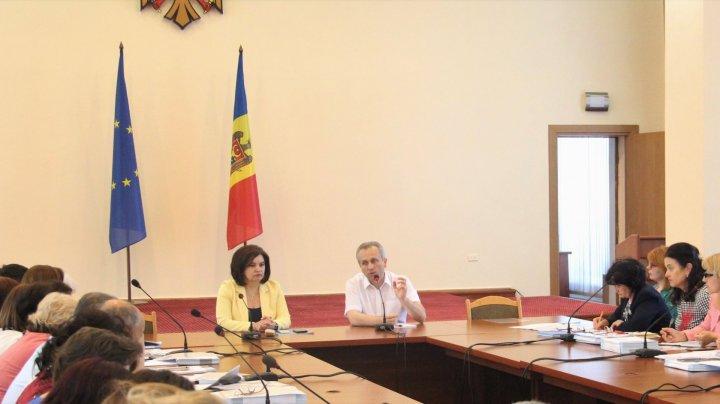 BAC 2019: Subiecte IMPORTANTE, abordate de ministrul Monica Babuc în cadrul unei şedinţe privind organizarea examenelor
