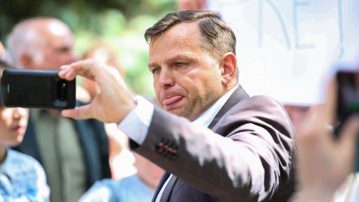 Andrei Năstase pune la îndoială independența API în fruntea căreia se află Petru Macovei