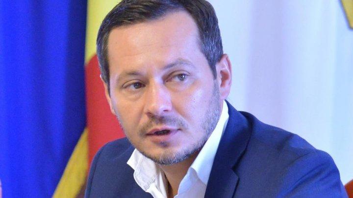 Ruslan Codreanu: Chişinăul nu trebuie administrat de politicieni, cu tancurile sau săbiile. Îndemn colegii să fie alături de oameni