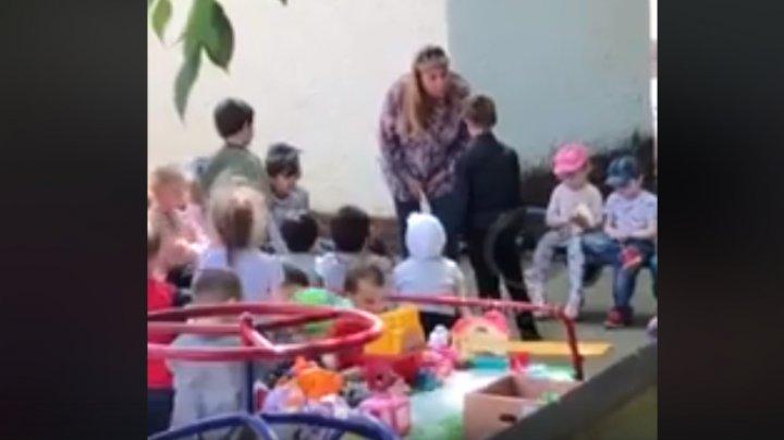 CAZ REVOLTĂTOR la grădiniţă: Un copil, UMILIT de o educatoare şi obligat să sărute pământul