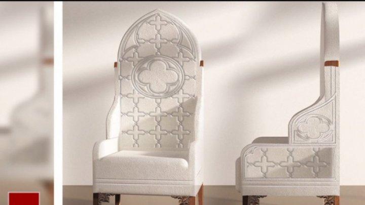 Pregătirile sunt în toi. Cum va arăta scaunul pe care va sta Papa Francisc şi unde a fost construit