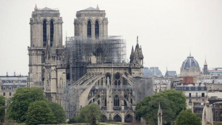 Deputaţii francezi au adoptat legea privind restaurarea catedralei Notre-Dame din Paris