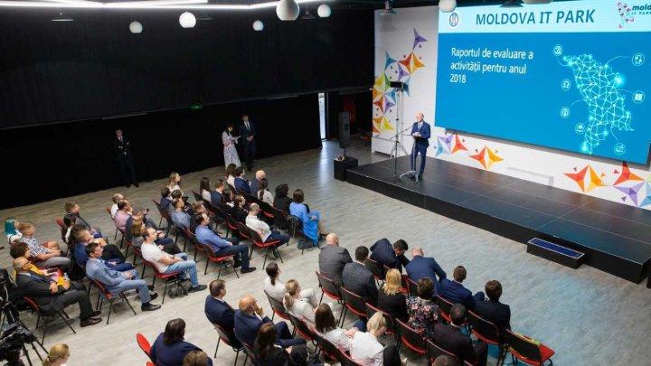 Moldova IT Park, la 1 an de activitate. Pavel Filip: Este un proiect de suflet și este o șansă pentru dezvoltarea economică a țării
