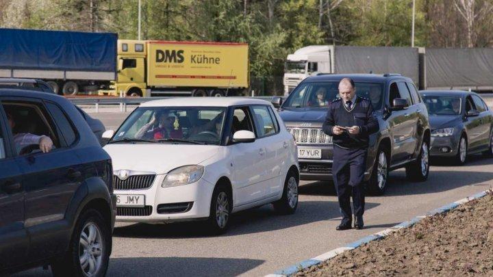 De Paștele Blajinilor, moldovenii revin acasă. Numărul traversărilor la frontiera de stat, ÎN CREȘTERE